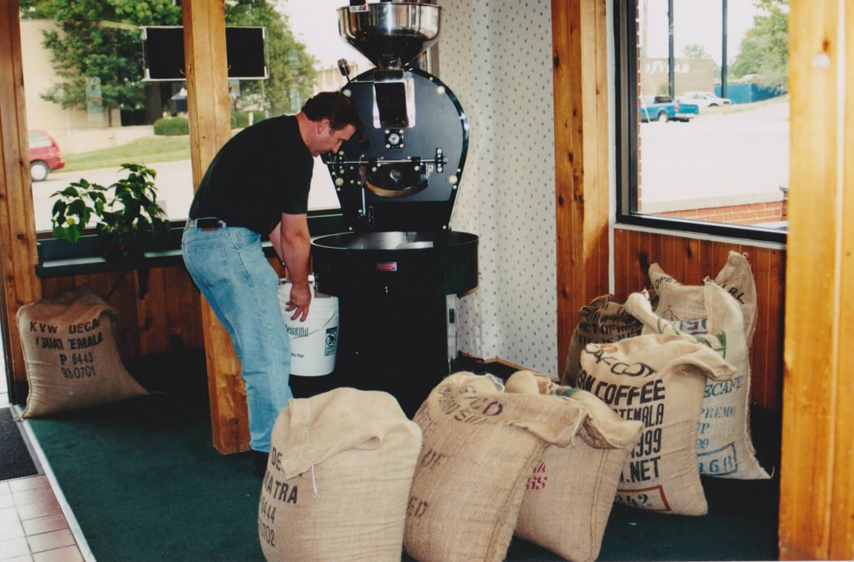 Don roasting coffee